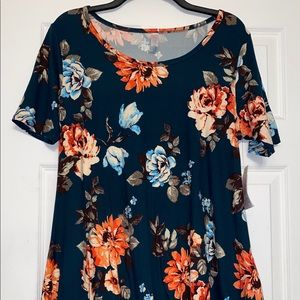 NWT Lularoe M blue green teal floral perfect tee